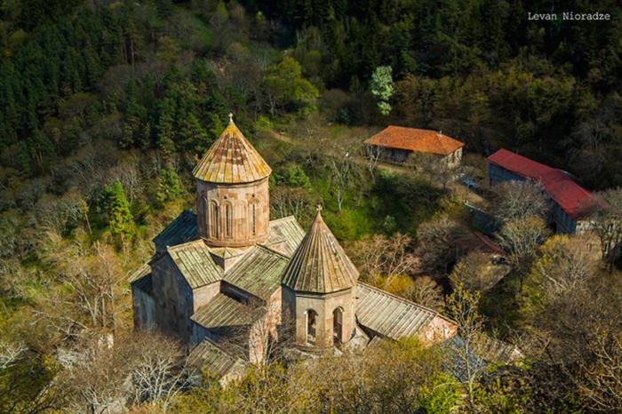 sapara monastery voyage