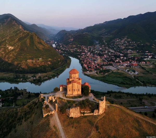 Jvari monasteri voyage